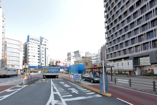 東武 池袋 駐 車場